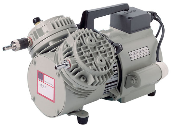 Diaphragm vacuum and pressure pump