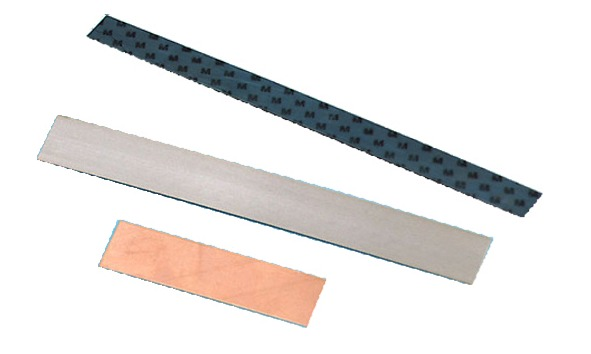 Leaf spring with contact strip and bimetallic strip