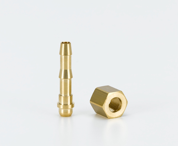 Tube adapter for pressure reducing valve