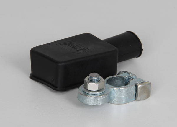 Vehicle battery connecting kit