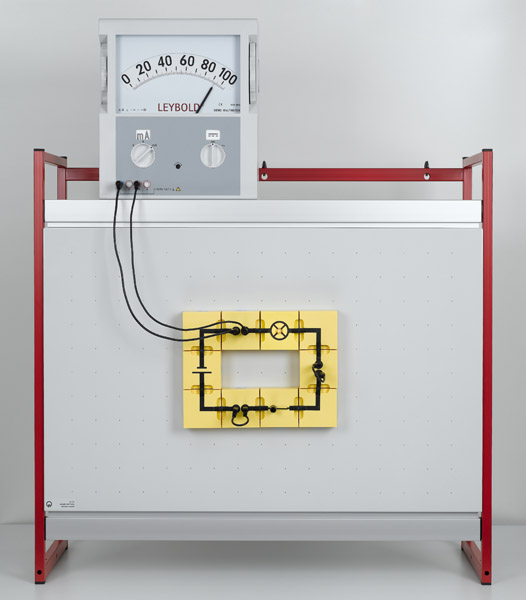 Measuring current in a simple circuit - Assembly using connector blocks