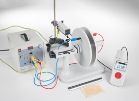 Measuring the force of an electric charge in a homogeneous electric field - Measuring with the force sensor