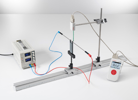 Measuring the magnetic field for a straight conductor and on circular conductor loops at small currents