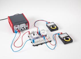 Recording the characteristics of a transistor