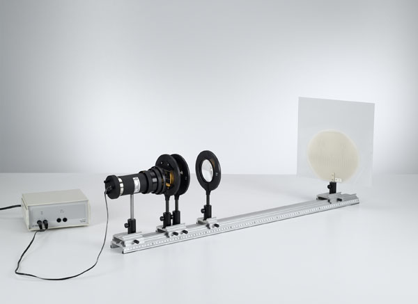 Magnifier and microscope
