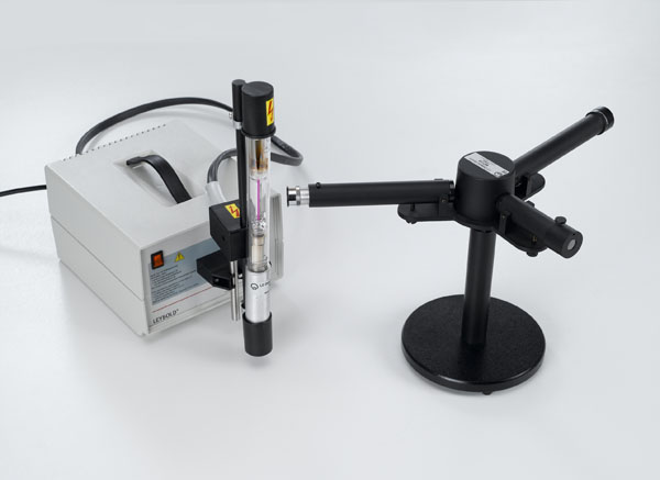 Observing the Balmer series of hydrogen using a prism spectrometer