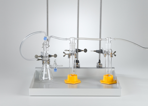 Production of gases with a Kipp's apparatus using stand material